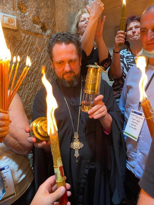Благодатный огонь привезут из Израиля в Казахстан 3