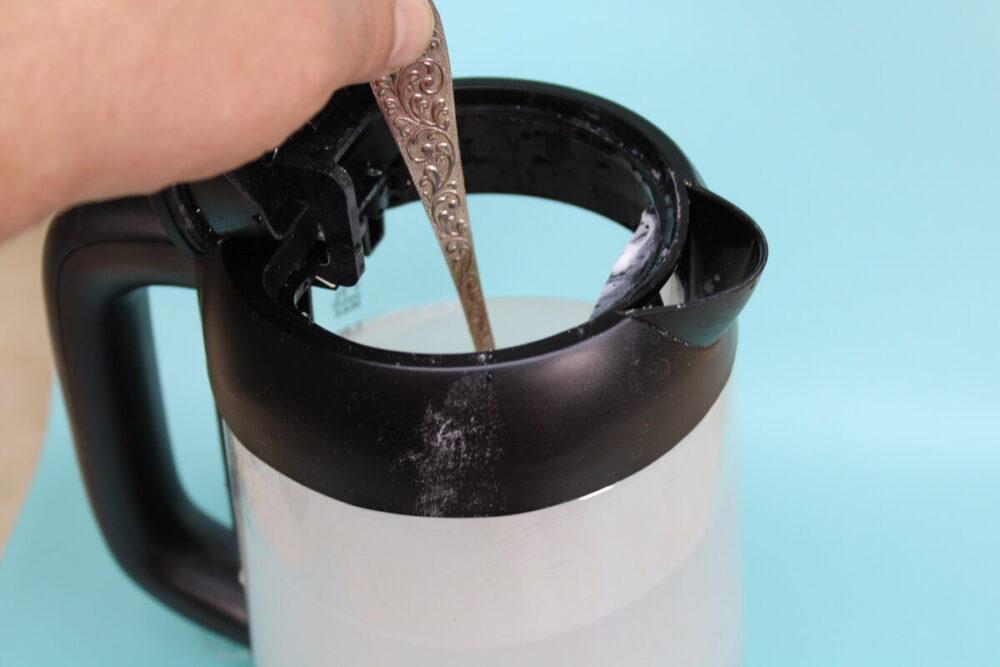 Как очистить чайник от накипи: назван лучший способ 3