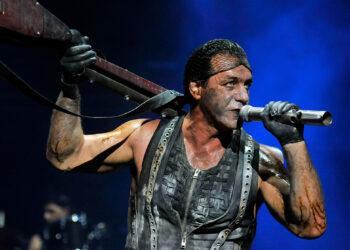 Солист Rammstein Тилль Линдеманн снял в Эрмитаже клип на советскую песню 1