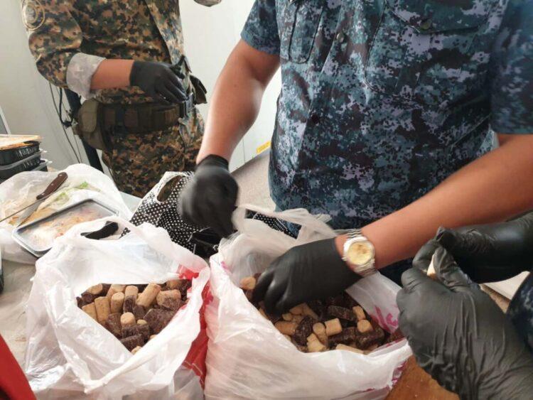 Заключенному педофилу пытались передать конфеты с наркотиками в Алматинской области 1