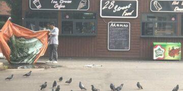 Фото: алматинцы, парк, возмущены