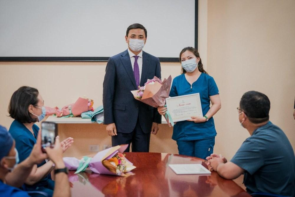 Алтай Кульгинов поздравил медработников с профессиональным праздником 3