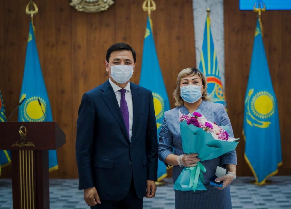 Алтай Кульгинов поздравил медработников с профессиональным праздником 1
