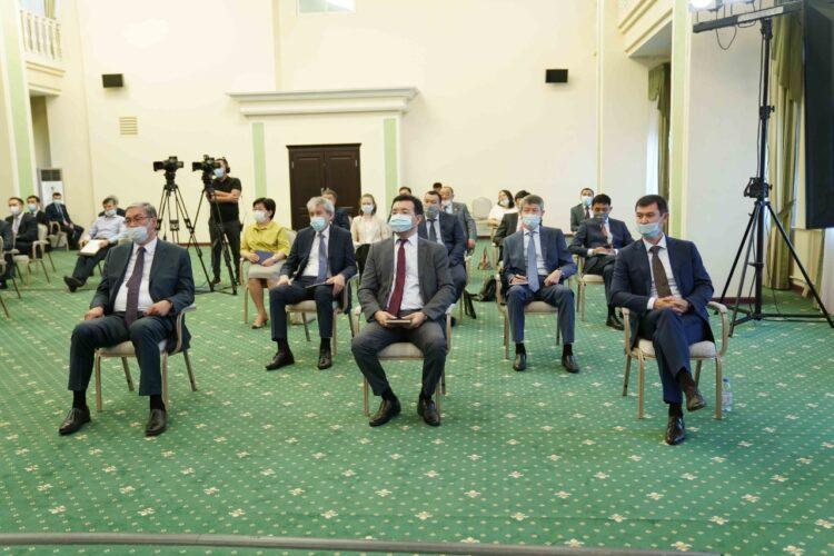 Председатель Верховного Суда разъяснил руководителям госорганов принципы адмюстиции 1
