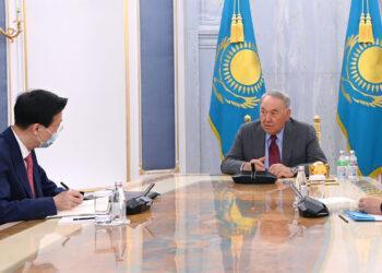 Назарбаеву передали привет от Си Цзиньпина 3