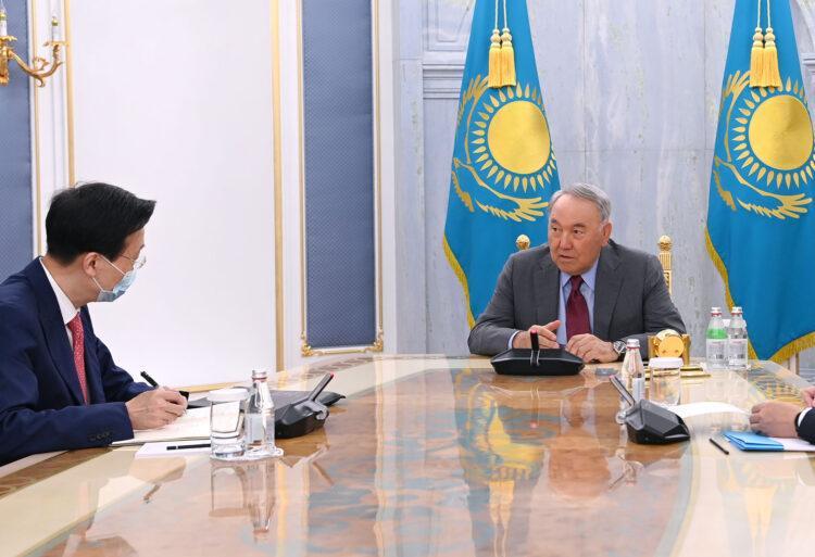 Назарбаеву передали привет от Си Цзиньпина 1