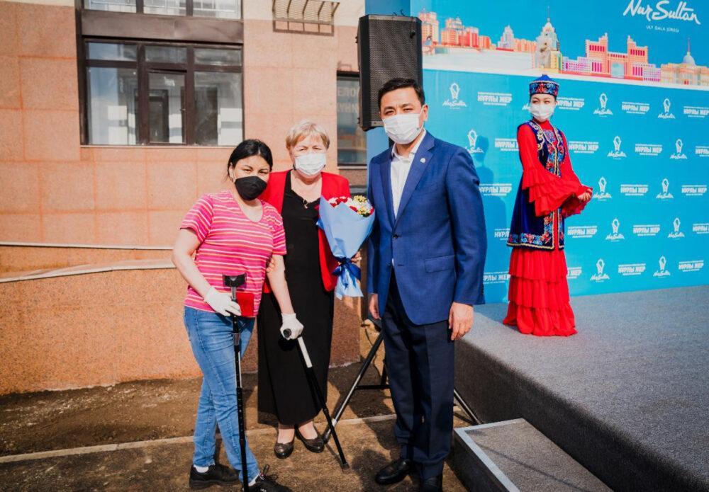 Новоселье в День столицы отмечают 400 семей в Нур-Султане 1