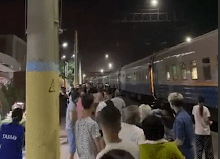 Казахстанцам вернут деньги за билеты на приостановленные поезда в Жамбылской области 1