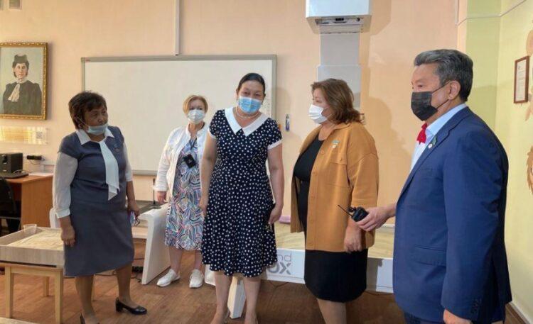 Депутаты Мажилиса обсудили проблемные вопросы педагогов колледжей 1