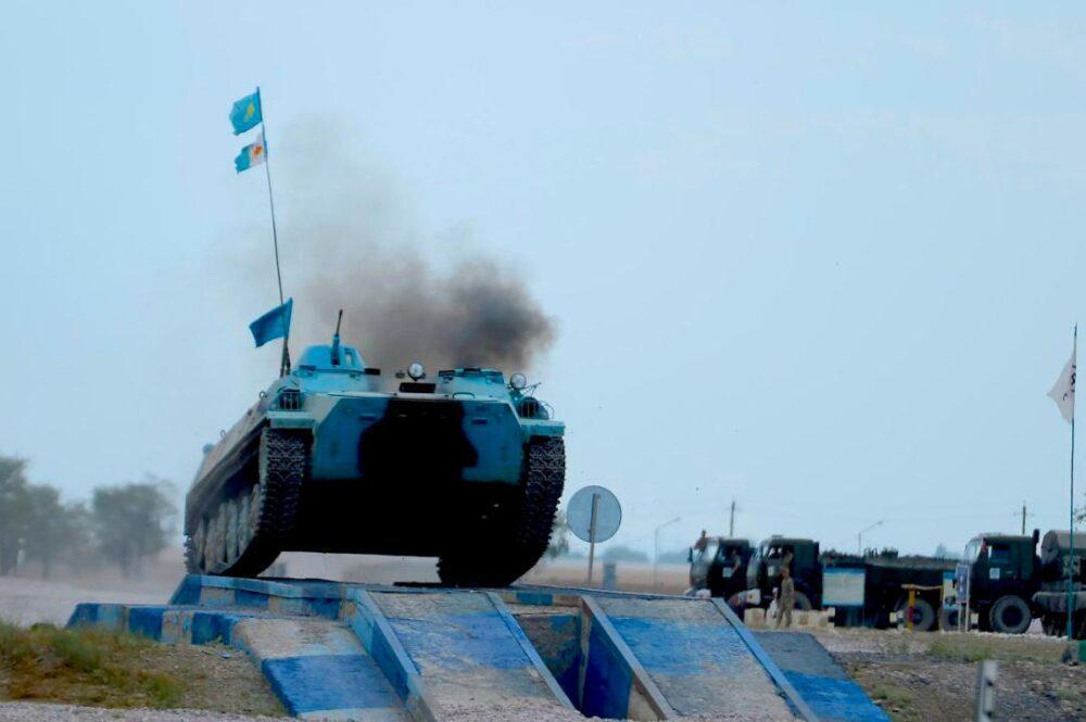 АрМИ: казахстанские военнослужащие победили в двух конкурсах