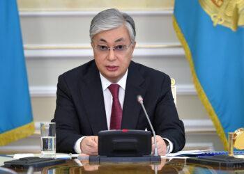 Государство не должно помогать банкирам - Токаев о развитии экономики Казахстана 2