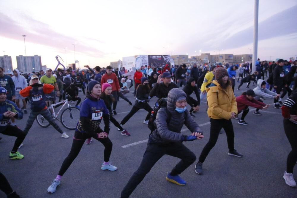 Астанчане пробежали международный марафон