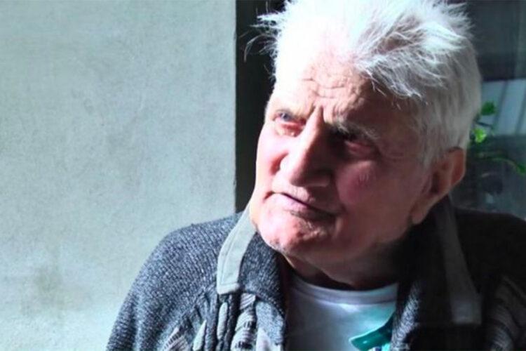 Мужчина вернулся домой через 30 лет после исчезновения в той же одежде 1