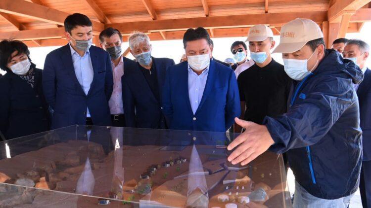 Премьер-Министру РК Аскару Мамину представили концепцию развития национальных парков «Алтын-Эмель» и «Чарын» 1