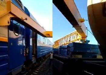 Грузовой кран повредил 13 вагонов пассажирского поезда в Актюбинской области 3