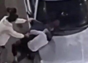 Пьяные кокшетаусцы устроили массовую драку возле развлекательного заведения (видео) 1