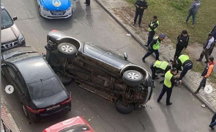 Автоугонщик сбил полицейского в Нур-Султане: в ДП рассказали, почему они выбили лобовое стекло 1