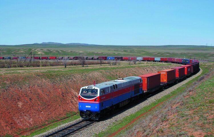 Растут убытки: казахстанский груз стоит на границе с Китаем 1