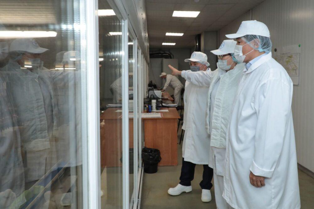 Школы, вода, рабочие места: Байбек проверил исполнение обещаний Nur Otan в Акмолинской области